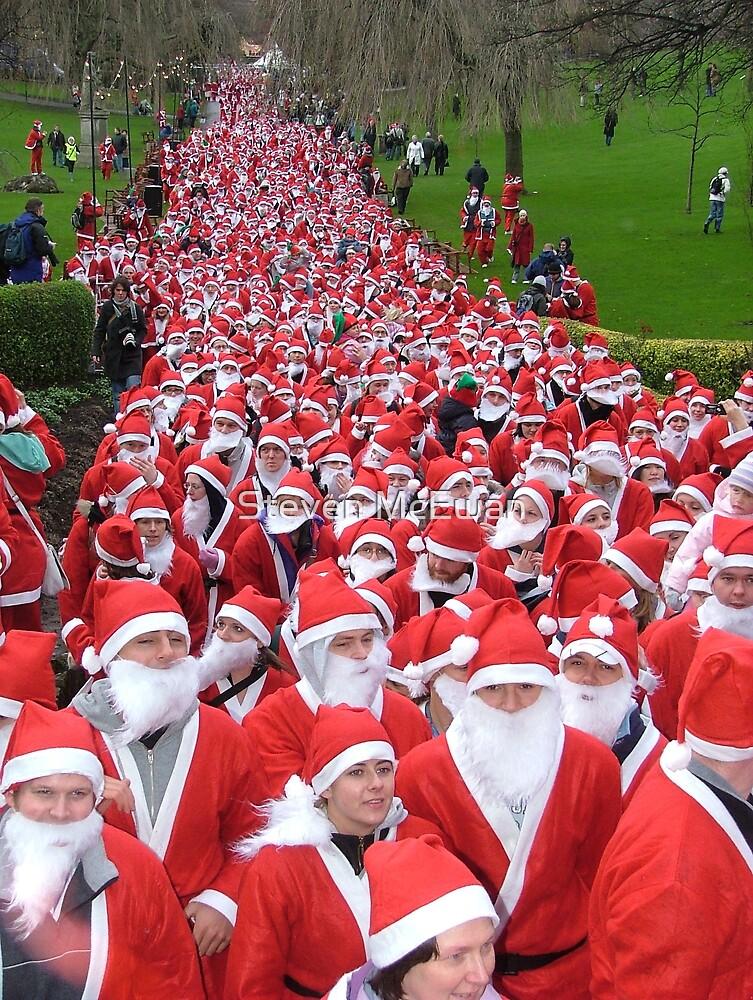 Santa Fun Run by Steven McEwan