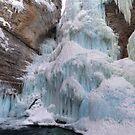 Ice mountain by zumi