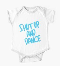 Body de manga corta para bebé Cállate y baila: azul claro