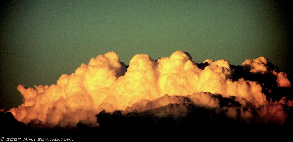 mountain cloud by NinaB