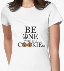 Sei eins mit dem Smiley Smiley (BT) Tailliertes T-Shirt