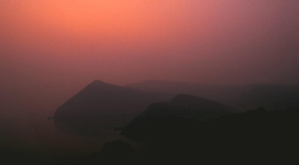 Pre Dawn at Hangmans Rock by kitlew
