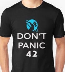 Don't Panic! Hitchhiker's Guide to the Galaxy Unisex T-Shirt