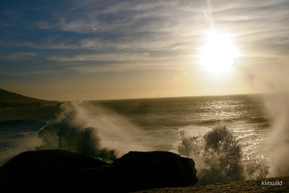 Mystical Waves by kimwild