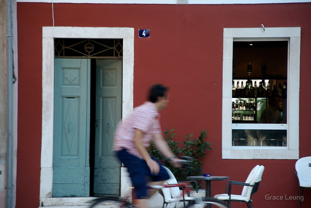 Little red cafe in Zadar by Grace Leung