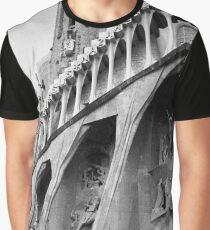 Basilica de la Sagrada Família Graphic T-Shirt