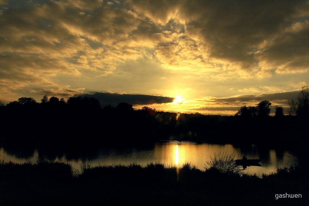 golden sunset by gashwen