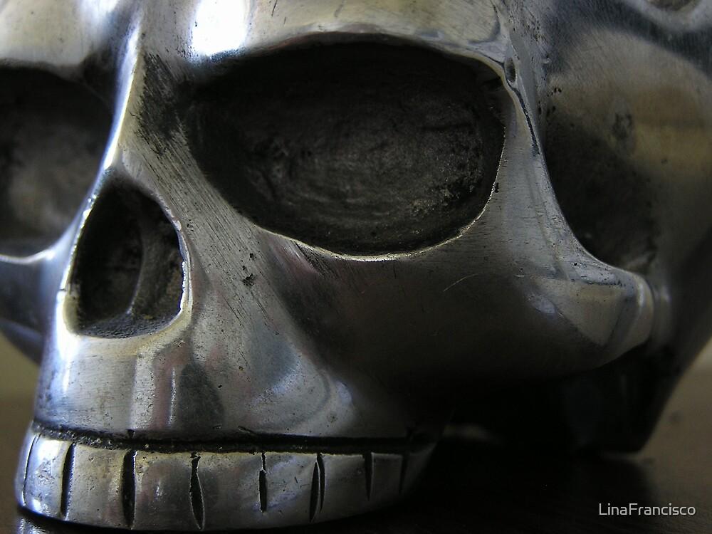 Skully by LinaFrancisco