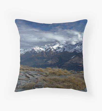 Mount Alfred Marker Throw Pillow