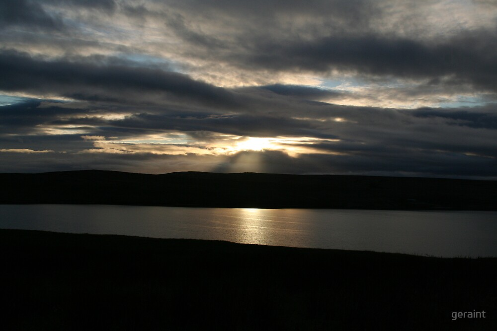 Sunset at Lake Aled by geraint