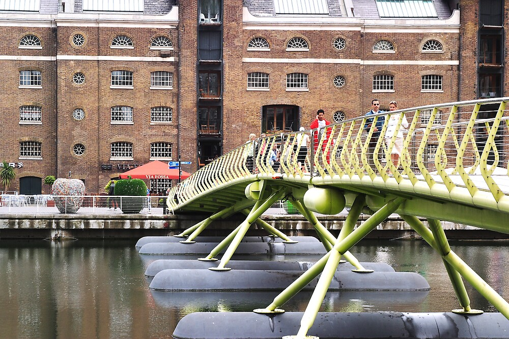 Restored Warehouses and Temporary Bridge over the Thames by kitlew