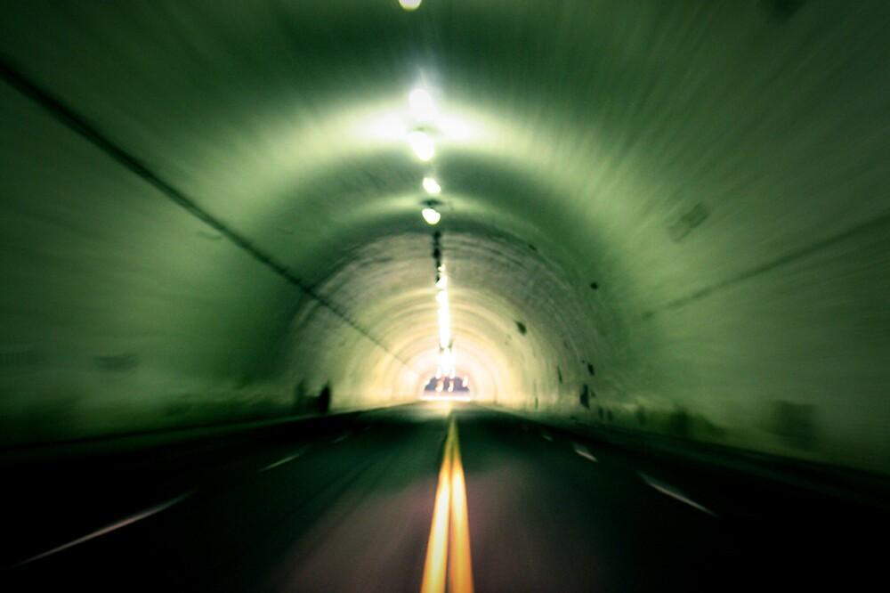 Tunel by chernandez82