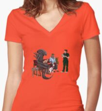 Alien Takes Jonesy to the Vet Women's Fitted V-Neck T-Shirt