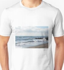 Natural view of the sea and the cloudy sky T-Shirt