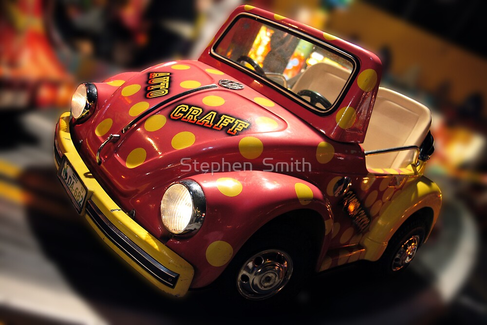 Lil Beetle by Stephen  Smith