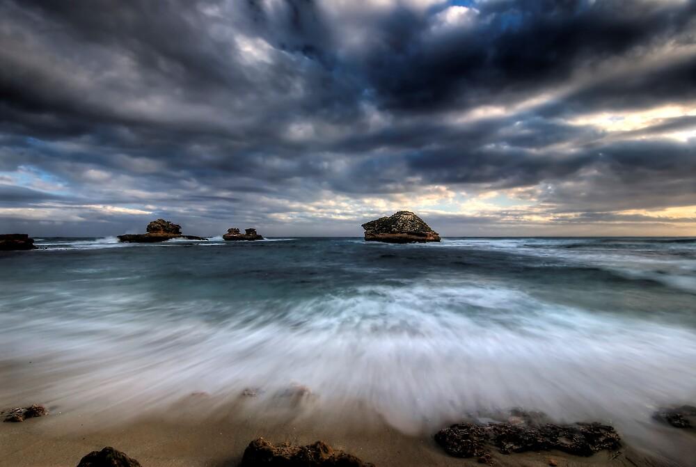 Bay of Islands Rush by Robert Mullner