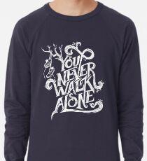 Du gehst nie allein - BTS - weißer Text (auf Blau) Leichter Pullover