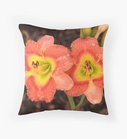 Fleurs orange Throw Pillow