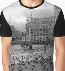 Palomas de Plaza de Catalunya Graphic T-Shirt