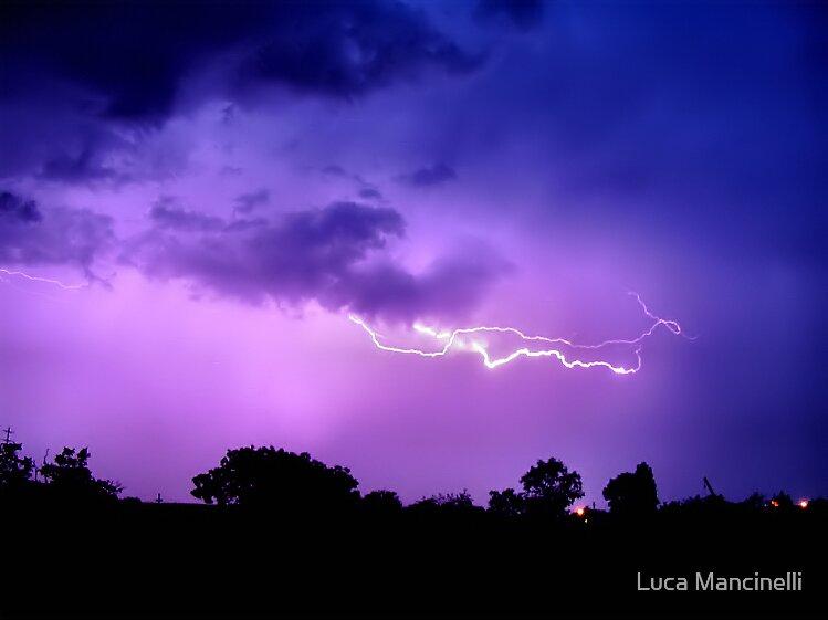 Lightning by Luca Mancinelli