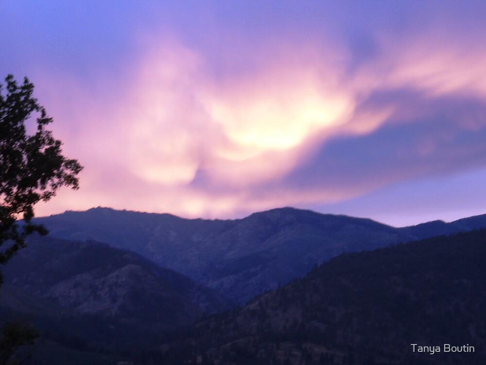 Sunset in Lake Chelan, WA by Tanya Boutin
