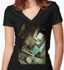 Comfy chair Women's Fitted V-Neck T-Shirt