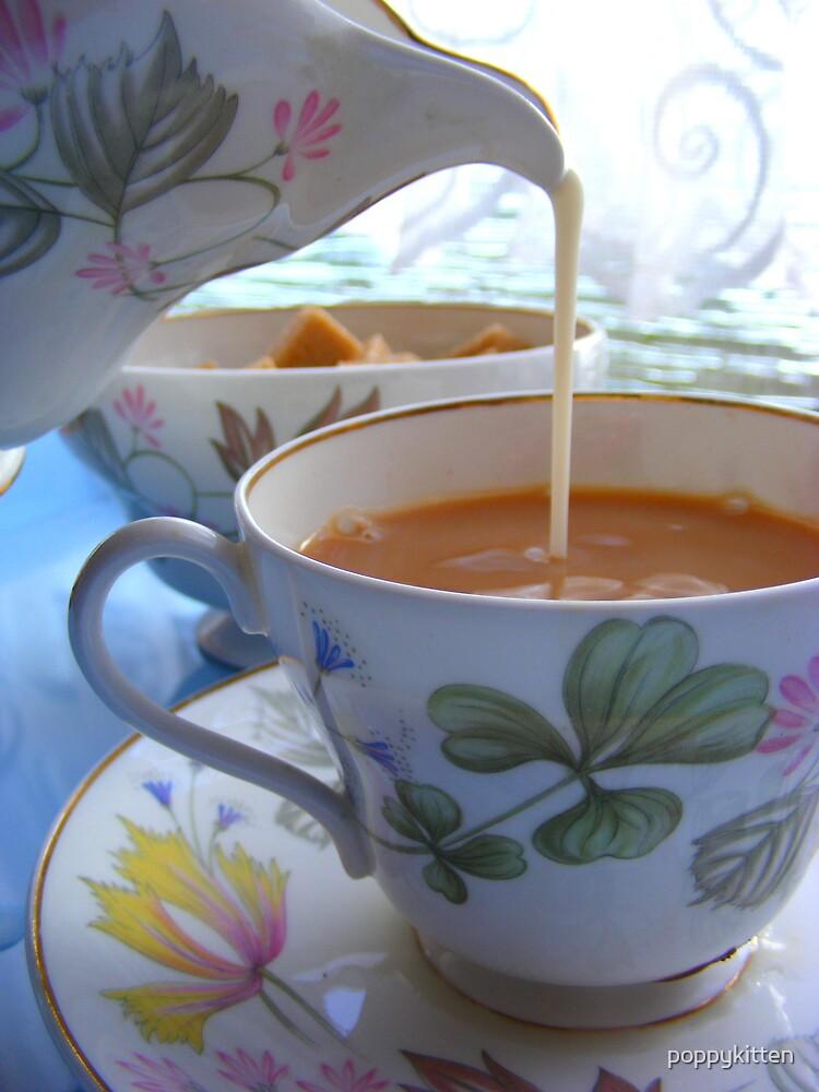 Fancy a cuppa? by poppykitten