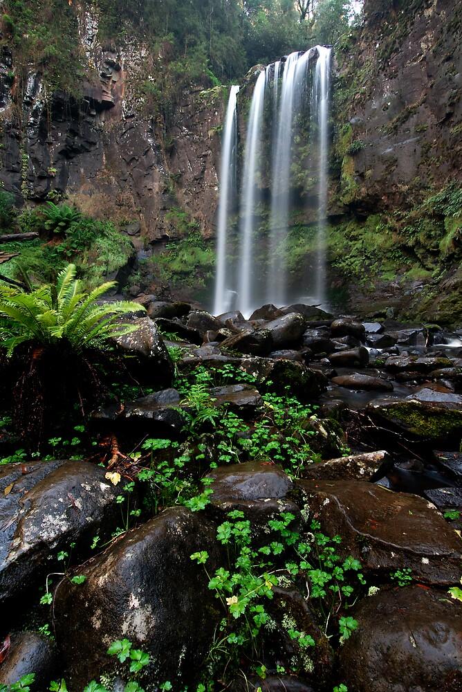 Hopetoun Falls by Robert Mullner