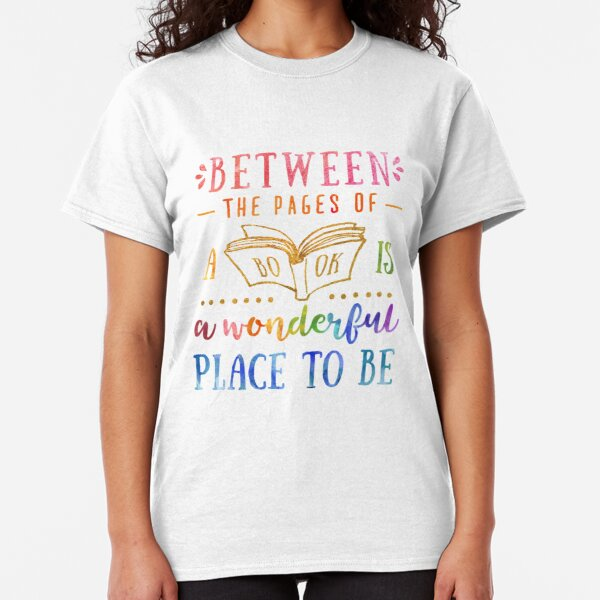 Between the pages Classic T-Shirt