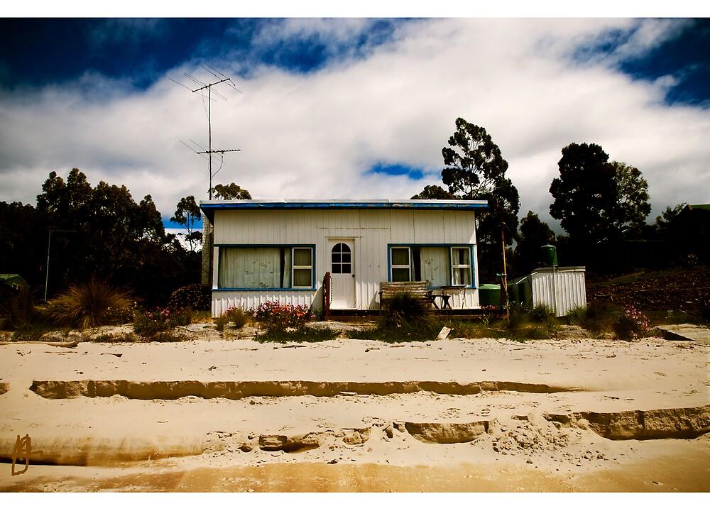 Absolute beach frontage by Melinda Kerr