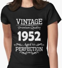 Birthday t-shirt. Made in 1952. Womens Fitted T-Shirt