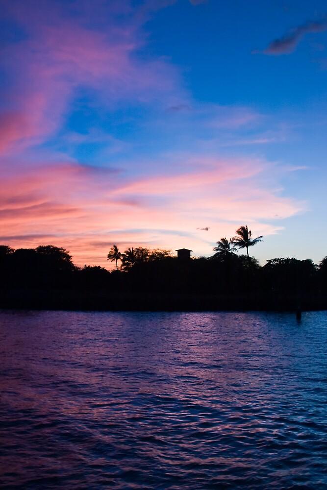 Hawaii Bay at Sunset by shadow2