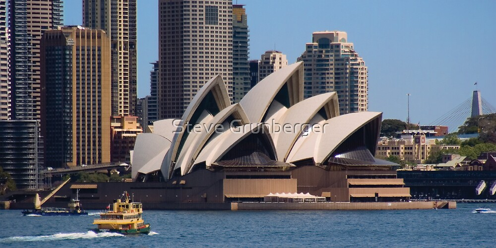 Opera House and Ferry by Steve Grunberger