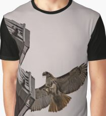 Buteo Platypterus - Broad-Winged Hawk Landing With Prey In His Beak | Flushing, New York Graphic T-Shirt