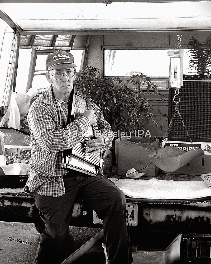Autoharp Player, Farmer's Market-McMinnville, Tennessee by © Joe  Beasley IPA