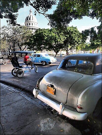 Taxis Near El Capitolio by ponycargirl