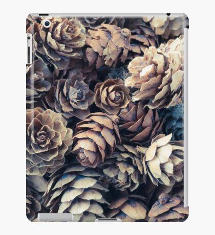 Tiny Pinecones iPad Case/Skin