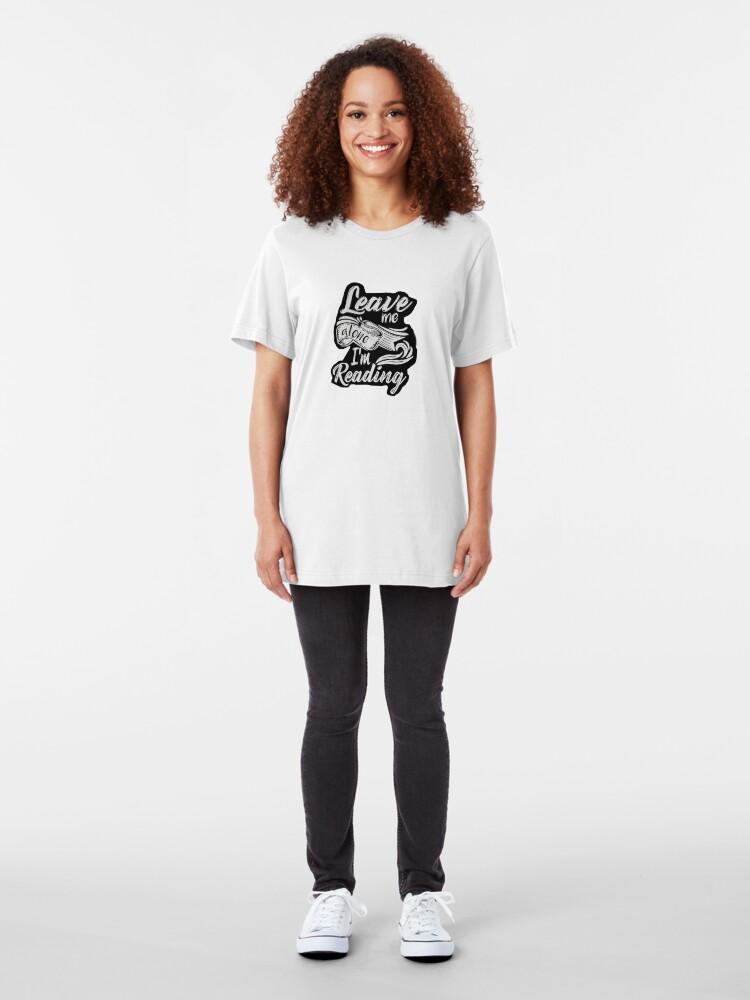 Alternative Ansicht von Lass mich in Ruhe - ich lese! Slim Fit T-Shirt