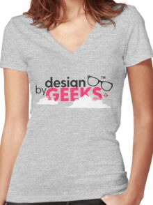 Design by Geeks Women's Fitted V-Neck T-Shirt