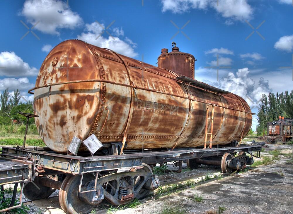 Rust Bucket by photorolandi