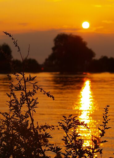Sundown by SunnySanny