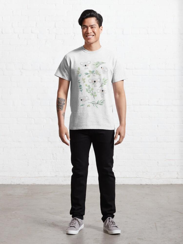 Vista alternativa de Camiseta clásica Patrón de koala y eucalipto