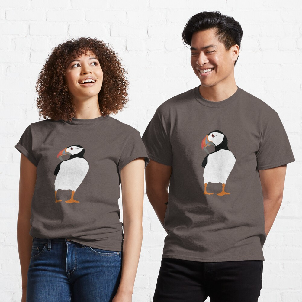 Puffins in green Classic T-Shirt