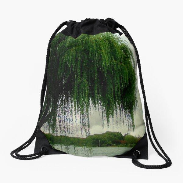 My beautiful weeping willow © Drawstring Bag