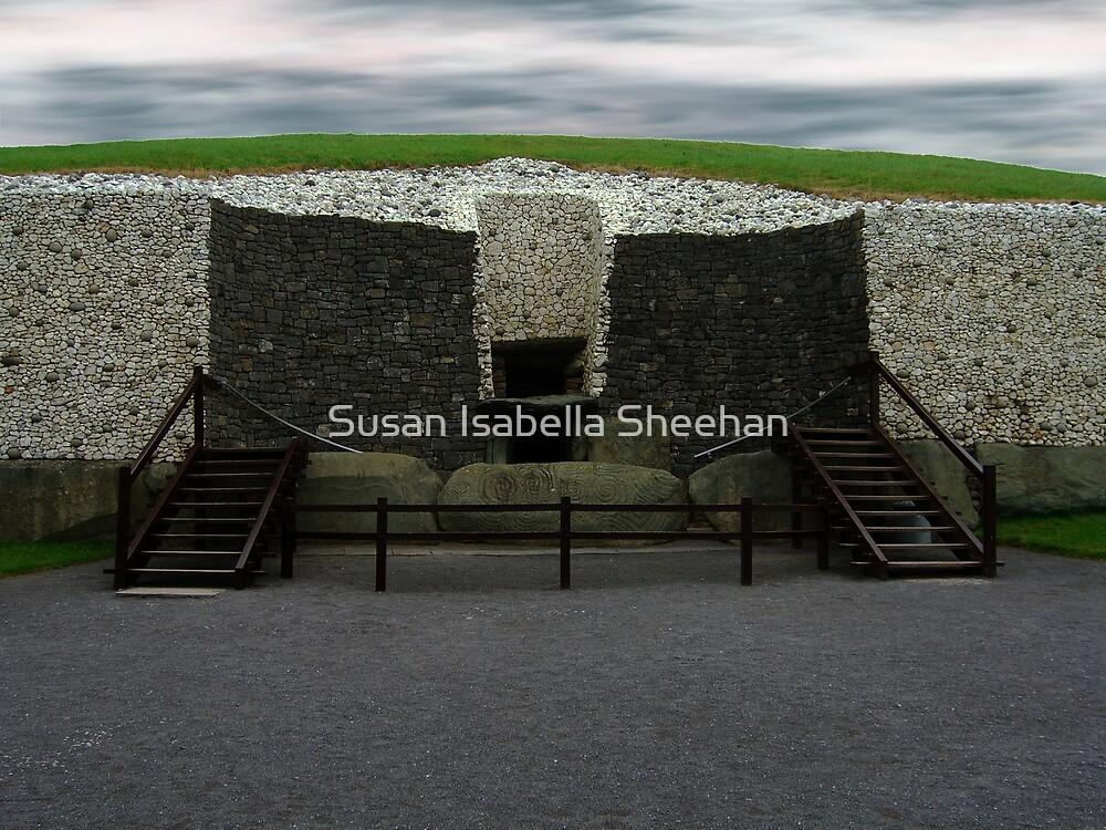 Newgrange Passage Tomb by Susan Isabella  Sheehan