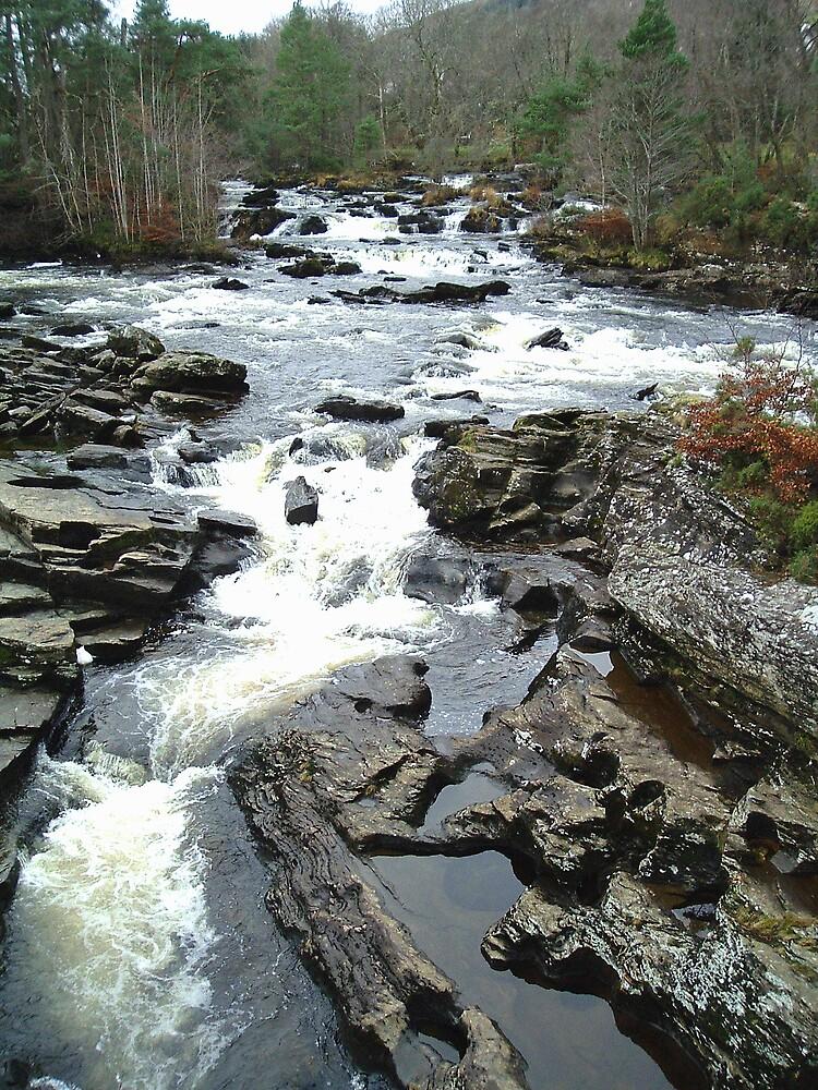 Falls of Dochart, Killin by Puffling