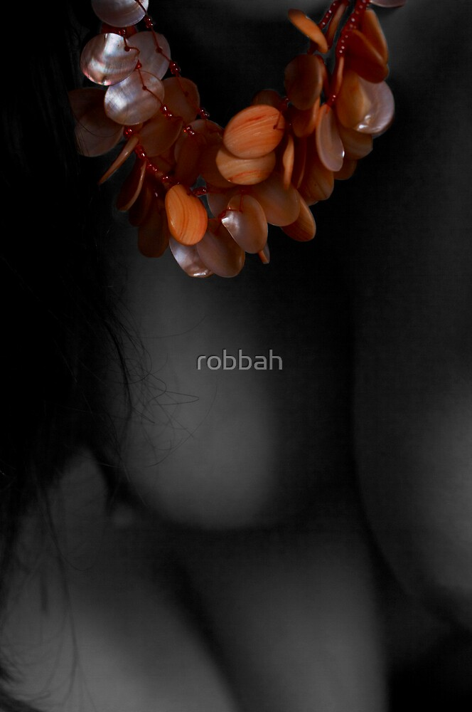 Necklace 2 by robbah