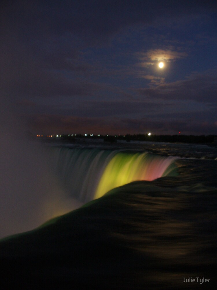 Niagara Falls by JulieTyler