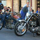 Indian Scout & Norton 750 Commando at Sofala Pub by pedroski