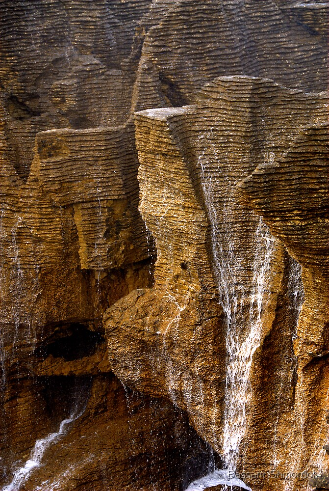 Pancake Rocks, New Zealand by Bassam  Shmordok